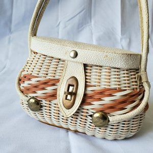 Adorable Vintage 70s wicker disco bag